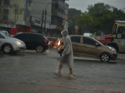Meteorología anuncia lluvias, calor y mucha humedad