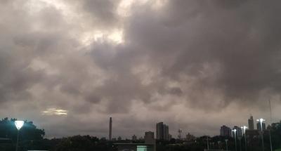 Lluvias y tormentas durante este lunes