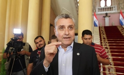 HOY / Juan Ernesto Villamayor, jefe de Gabinete de la Presidencia, sobre imputados por no cumplir cuarentena