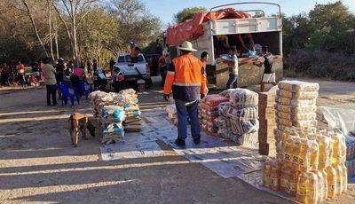 Primera entrega de víveres en Boquerón