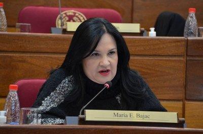 Si Bajac no renuncia, ya hay votos para que pierda su investidura, según senador