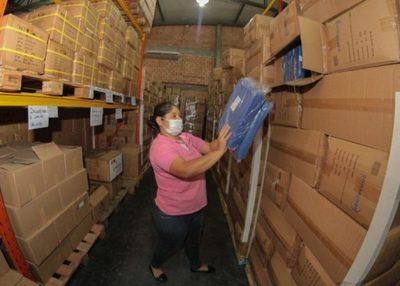 Salud distribuirá desde hoy equipos de protección personal e insumos en Asunción y Central