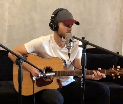 Iván Zavala compone canción durante cuarentena