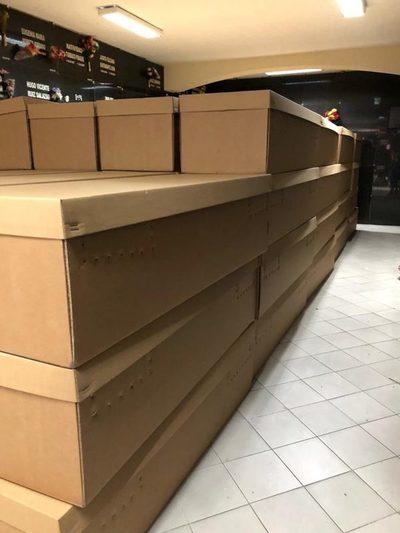 Autoridades de Ecuador darán ataúdes de cartón