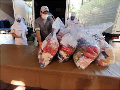 Multiplican solidaridad  donando los kits que recibieron del MEC