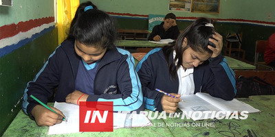 EDUCACIÓN: PREPARAN FOLLETOS PARA QUIENES NO TIENEN CONECTIVIDAD.