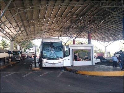 CDE: Ingresan más compatriotas provenientes de Brasil