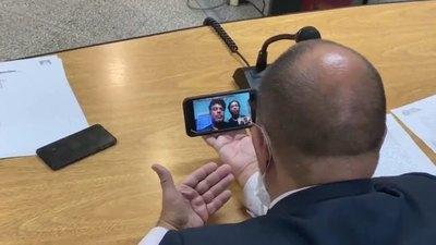 Así fue la charla del juez con Ronaldinho