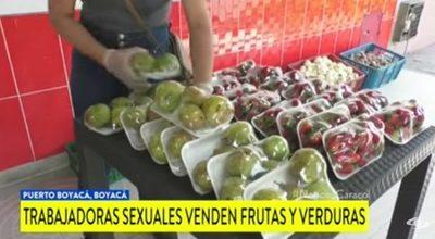 Trabajadoras sexuales ahora venden frutas y verduras
