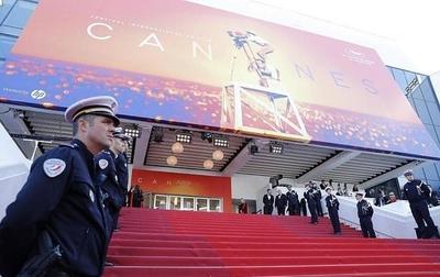 """HOY / El Festival de Cannes descarta celebrar una edición """"online"""" por coronavirus"""