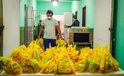 Shopping París entrega kits a hogares de niños y cárceles de CDE