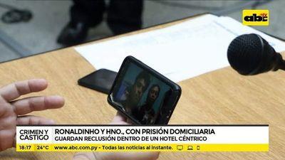Ronaldinho y su hermano, con prisión domiciliaria