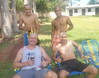 """Amigos se """"pelaron"""" por Mazzoleni he'i"""
