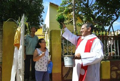 Obispos instan a sacerdotes a llevar mensaje de esperanza