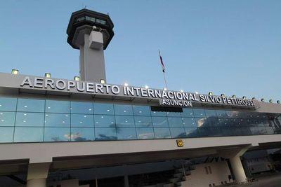 Llegaron 56 compatriotas de Bolivia y Perú