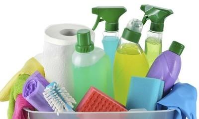Mezclar productos de limpieza pueden producir intoxicación