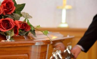 HOY / Funerarias tratarán todos los fallecimientos como casos de Covid-19
