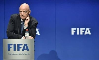 HOY / FIFA crea un fondo de emergencia para combatir la crisis en el fútbol