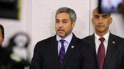 """HOY / Abdo aclara medida sobre chapas y dice: """"Mazzoleni me supera (en popularidad)"""""""