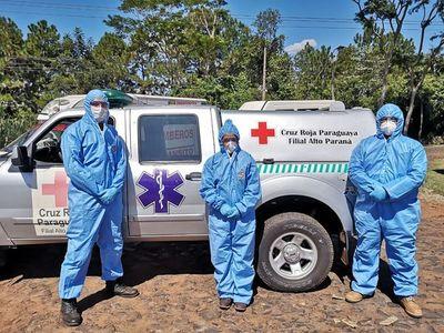 Voluntarios de la Cruz Roja y la decisión de quedar aislados en albergues