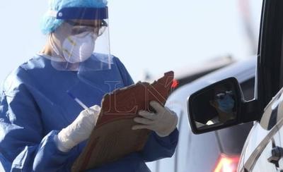HOY / Primer paciente con Covid-19 en Ñeembucú se contagió al recibir documentos de un viajero