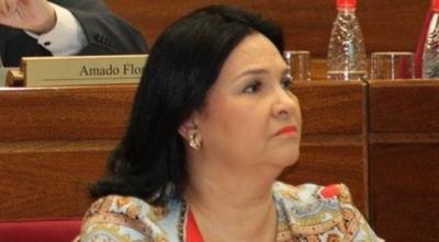 HOY / Plantean pérdida de investidura de María Eugenia Bajac