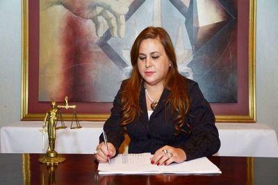 Cuestionada fiscala Rivas afronta dos pesquisas en el JEM