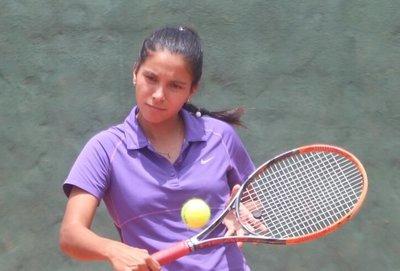 Liz Chileno; 'quiero seguir jugando y continuar mis estudios en EEUU'
