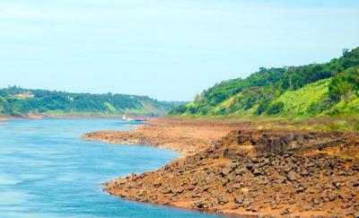 Impresiona bajante del río Paraná