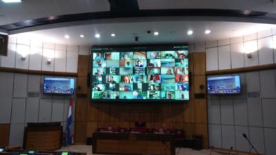 Expulsan del Senado a María Eugenia Bajac