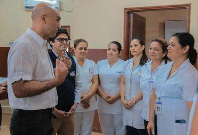 Profesionales de blanco serán capacitados para el manejo de pacientes con COVID-19