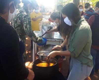Continúan con ollas populares en Luque •
