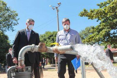 Presidente verifica primeros pozos de la Essap para garantizar servicio en barrios del Área Metropolitana