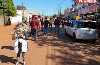 HOY / Presidente Franco: 500 personas se manifestaron en reclamo de comida