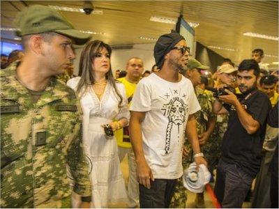 Juez rechaza pedido de defensa y mantiene rebeldía de Dalia López