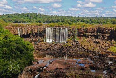 Las Cataratas del Yguazú, con una triste postal