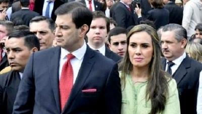Ovelar se opone a que su esposa gane menos de G. 100 millones