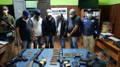 Capturan a presuntos rescatistas con fusiles y pistolas