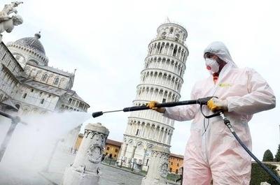 HOY / Italia reduce por primera vez el número de positivos por coronavirus
