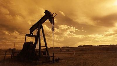 Precio del petróleo americano cae a niveles históricos: ¿qué efecto tendrá en la economía?
