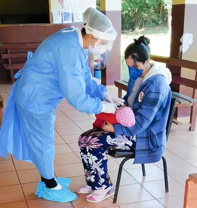 Vacunan contra la influenza en dispensarios médicos municipales