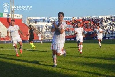 Saúl Salcedo: Más de 130 partidos  en Primera, seleccionado y universitario
