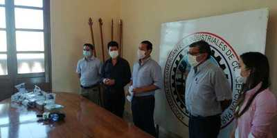 Comerciantes e industriales de Concepción donan equipos médicos a hospital regional