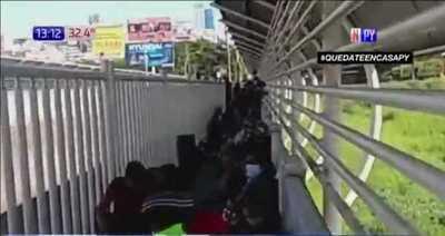 Más de 200 compatriotas varados en el Puente de la Amistad no podrán ingresar al país