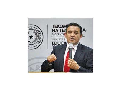 """Petta: Año no se suspende y """"no hay quejas"""" en aulas virtuales"""