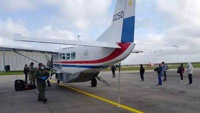 Paraguayos varados en Venezuela y Uruguay llegaron en un vuelo humanitario