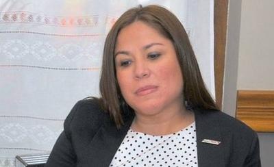 HOY / Patricia Samudio renuncia a su cargo de presidenta de Petropar