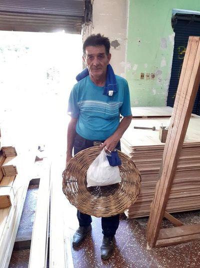 Indagan a policías por supuesto robo de dinero a un chipero en Lambaré