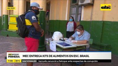 MEC entrega kits de alimentos en Escuela Brasil