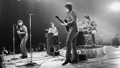 """The Beatles invitan a un karaoke global con """"Yellow Submarine"""""""